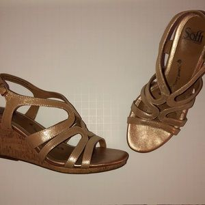 Sofft Gold Wedges